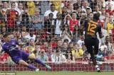 Didier Drogba Oo Garaacay Arsenal Xilli Uu Ka Caawiyay Galatasaray Inay Ku Guuleysato Emirates Cup