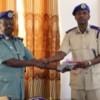 Taliyaha Ciidamada Booliska Somaliland Oo Abaalmarino Guddoonsiiyey Saraakiil Ciidamada Kamid Ah.